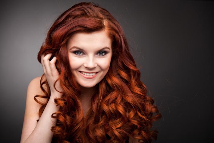 هل الشعر الأحمر يليق بك؟