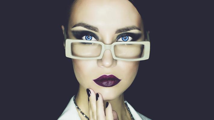 مكياج النظارات