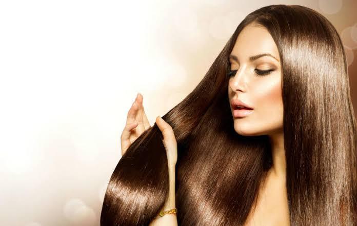 وصفات لتنعيم الشعر وتطويله