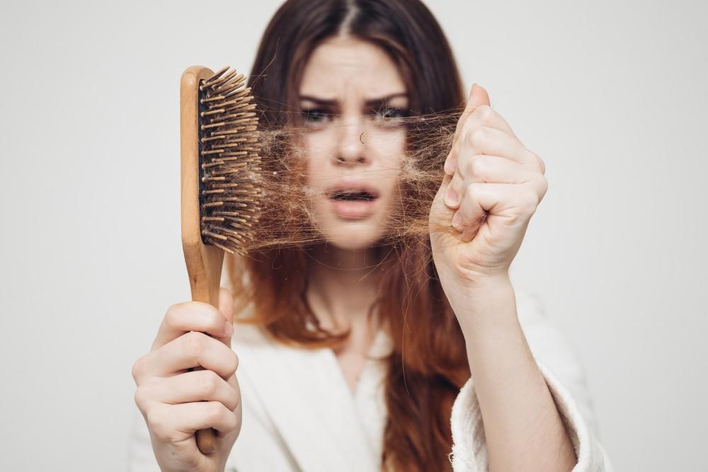 علاج-تساقط-الشعر-عند-النساء
